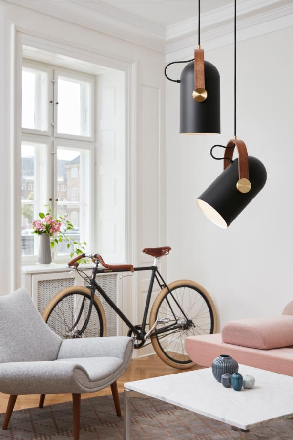 CARRONADE Pendant Black Medium