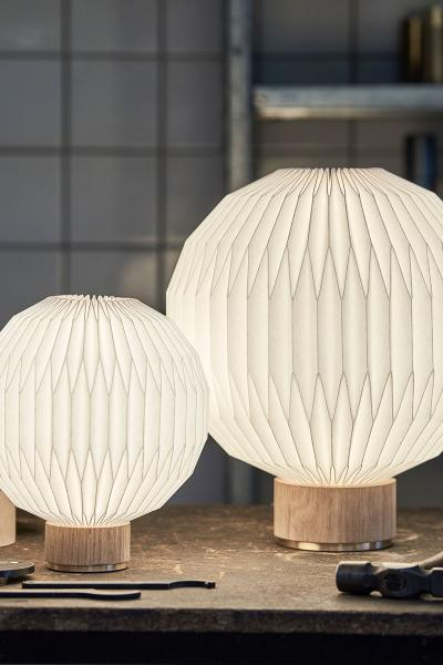 Model 375 - Medium table lamp - Paper shade